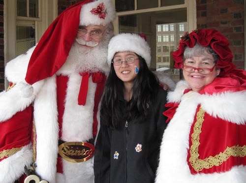Santa and Mrs. Claus in Old Town Alexandria